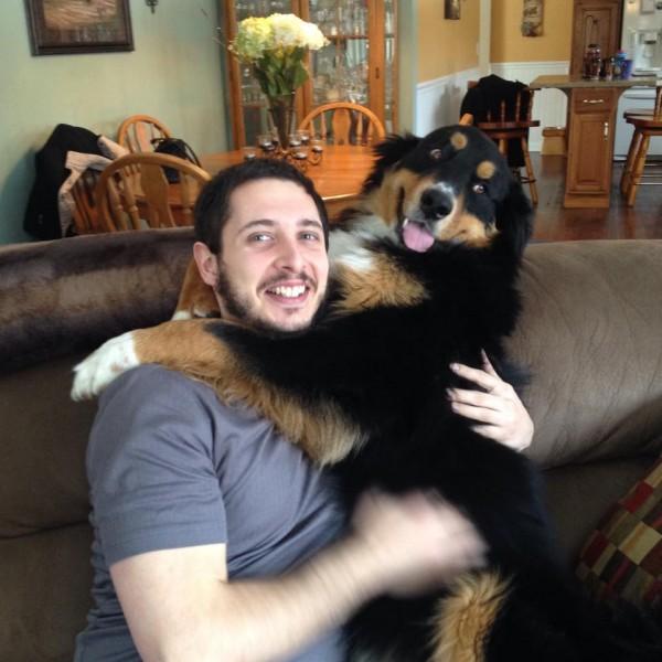 幸せそうな犬