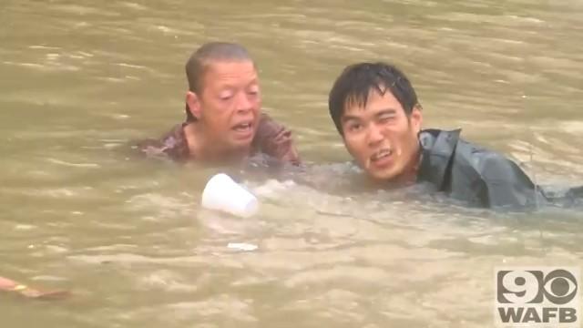 バトンルージュの洪水で犬と人間の救出4